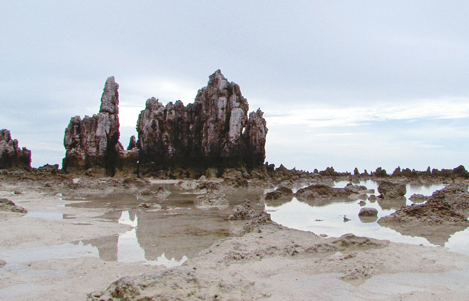 Nicholas Mangan, Nauru—Notes from a Cretaceous World, 2010, HD video, colour, sound, 14:50.